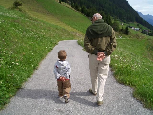 """Résultat de recherche d'images pour """"papy rigolo et son petit fils"""""""